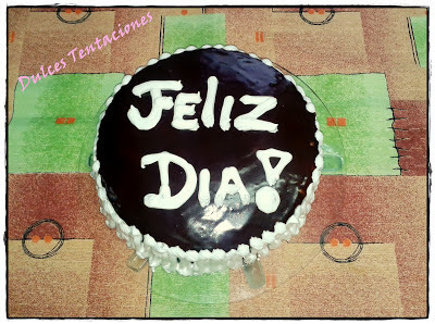 Torta de chocolate y vainilla con mousse de dulce de lecheee!!! :)