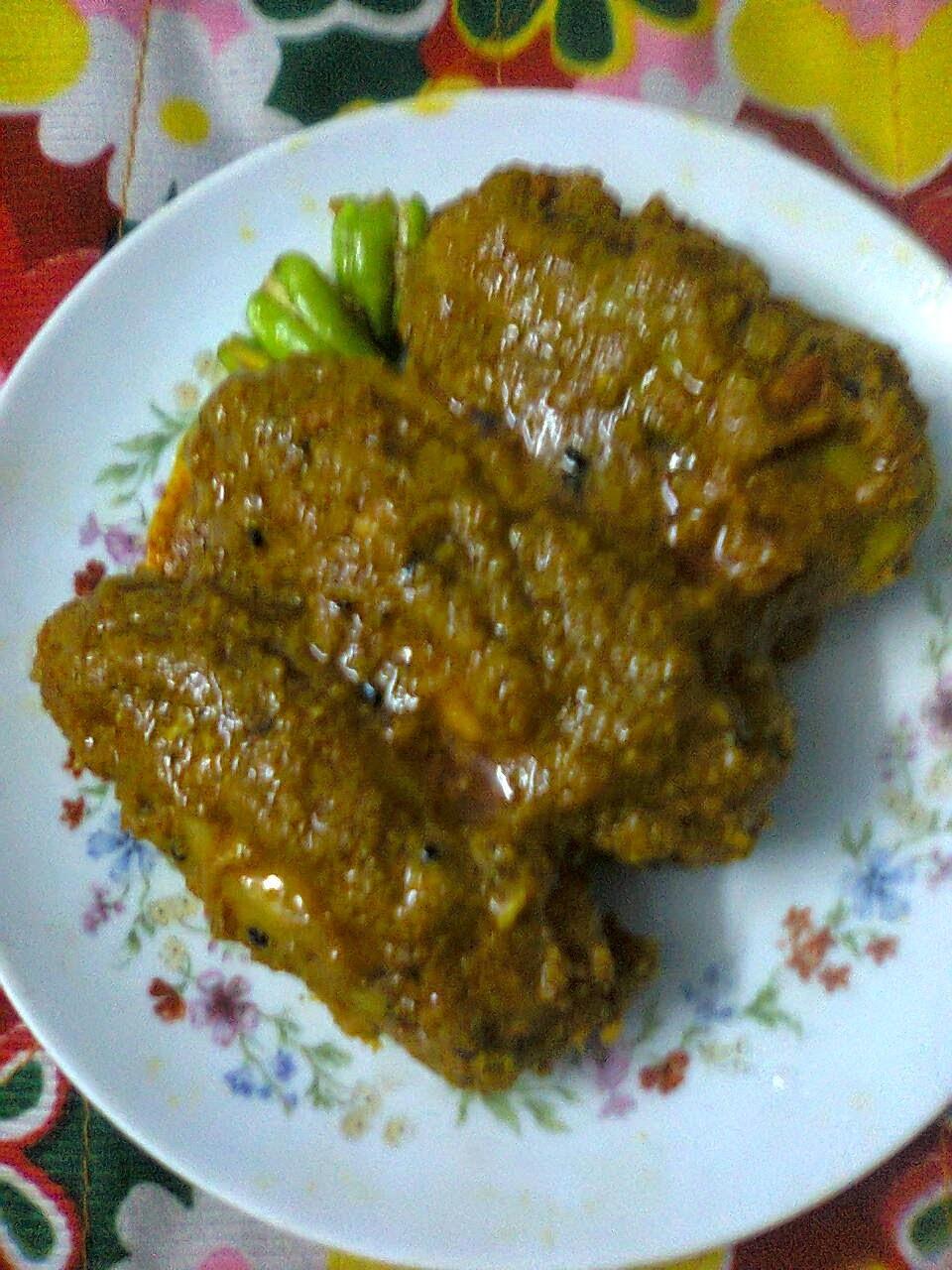 Stuffed Parwal (Pointed Gourd) In Gravy/Potoler Dorma (Dolma)