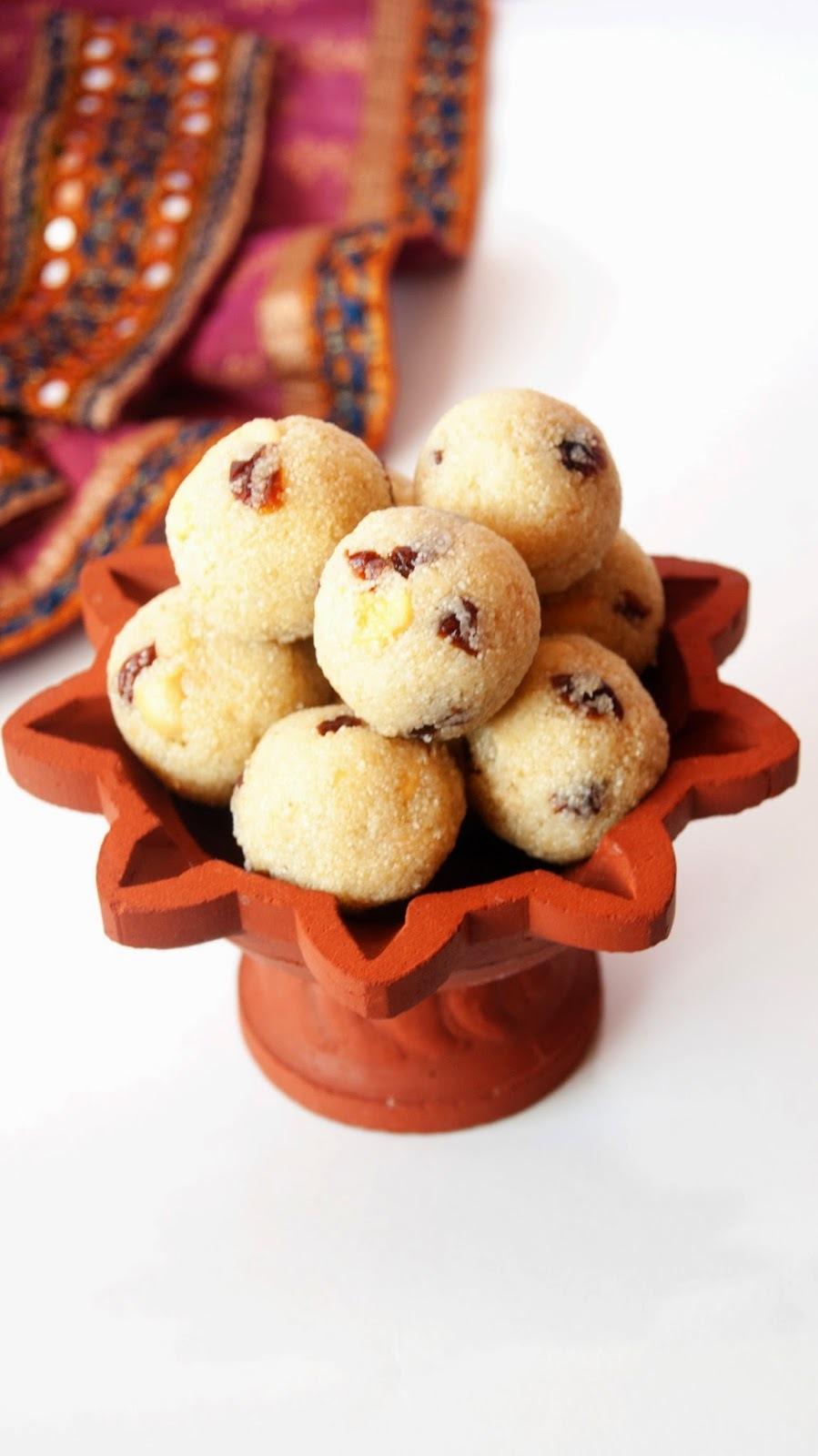 Rava Ladoo / Laddu