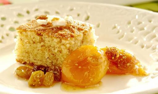 de bolo com farinha de amendoas e frutas secas