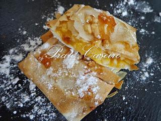 Delícias recheadas com doce de ovos com amêndoa granulada coberta com compota de maçã brava com malagueta e amêndoa na Actifry
