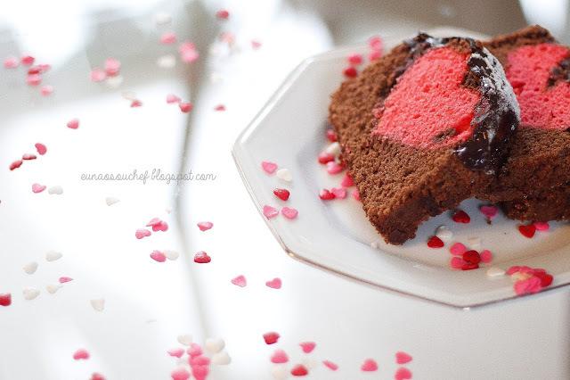 Bolo de chocolate com coração para o dia dos namorados!