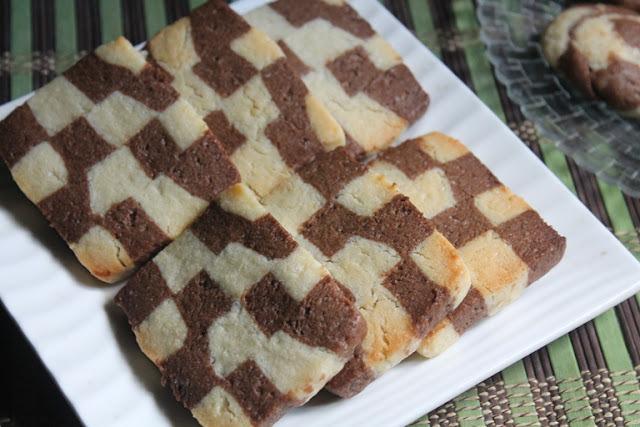 Eggless Checkerboard Cookies Recipe / Vanilla & Chocolate Checkerboard Cookies Recipe