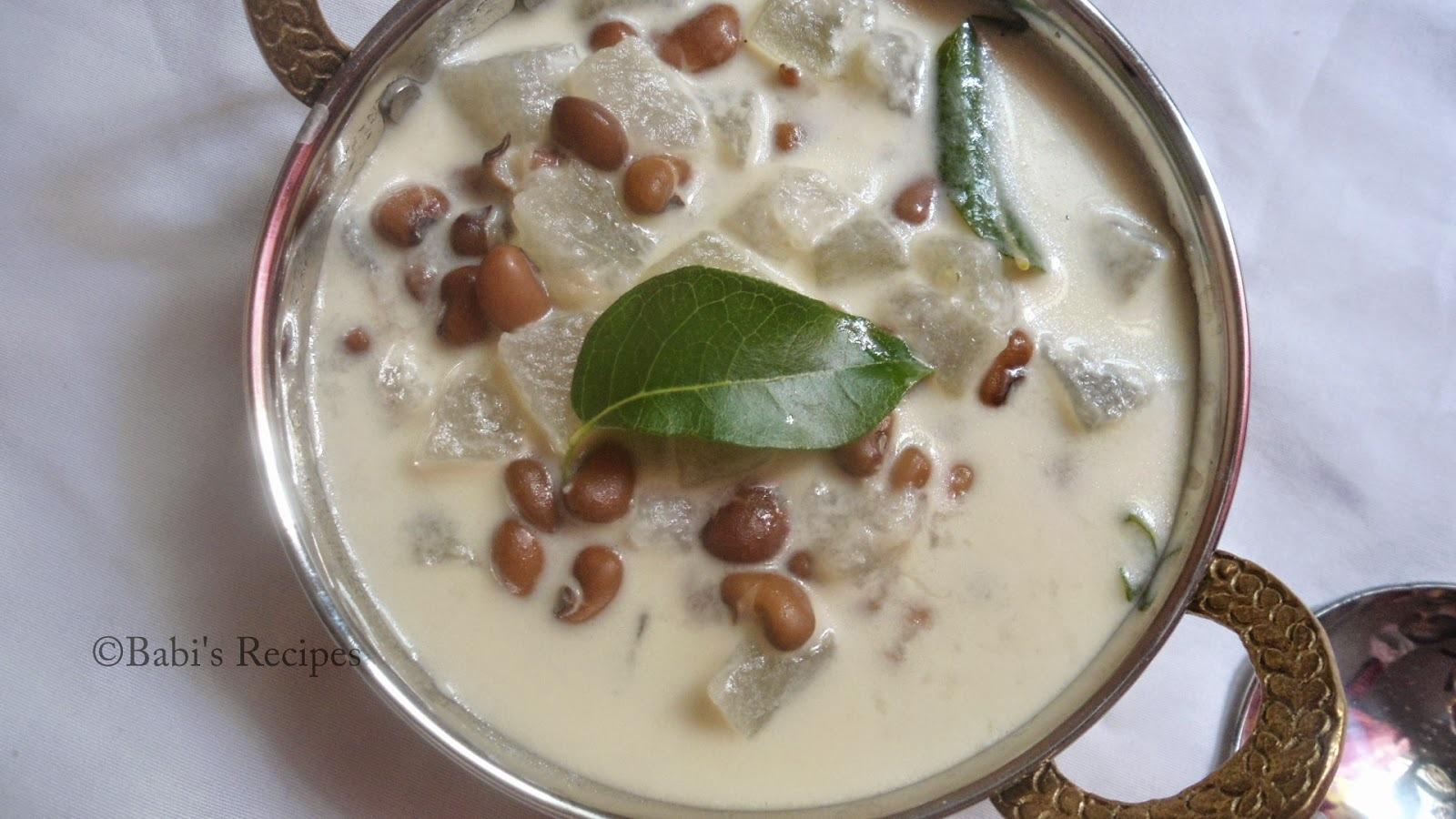 Olan - Ash Gourd & cow peas in coconut milk | Onam Sadya Recipe