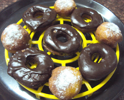 Eggless Pinacolada Doughnuts