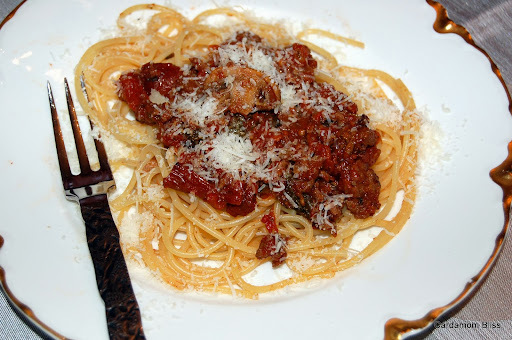 Looee's Spaghetti and Meat Sauce