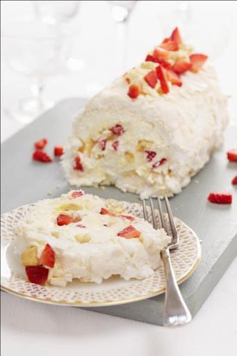 Recipe : Clotted Cream Strawberry Shortcake Meringue Roulade