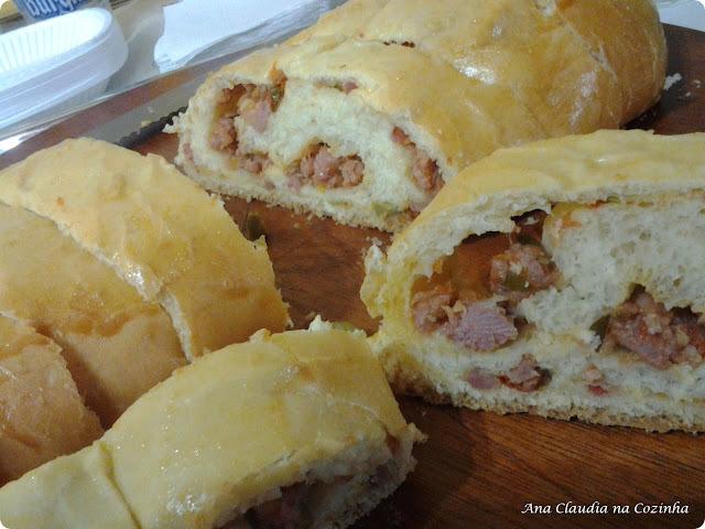 pão de milho recheado com frango milho e requeijão