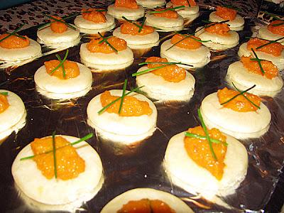 Canapés com maionese de cenoura