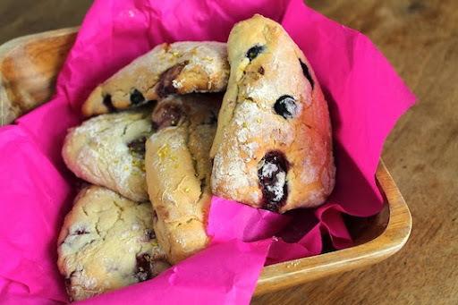 hecho en casa: scones de berries / homemeade: berries scones