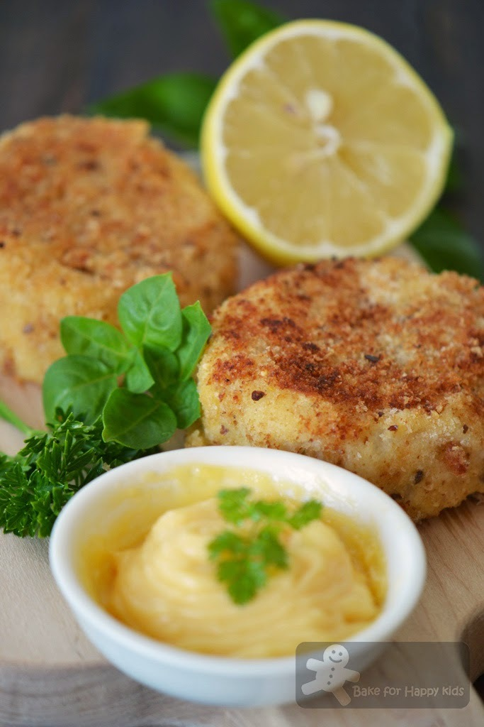 Crab Cakes with Mayonnaise (Gordon Ramsay)