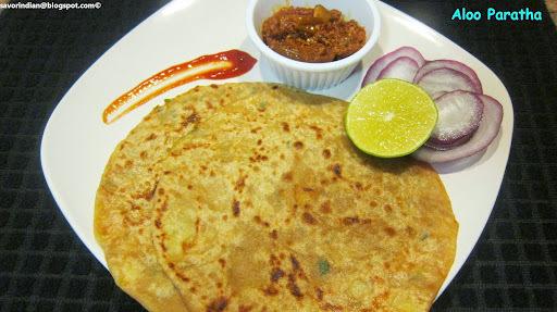 Aloo Paratha (Potato paratha)