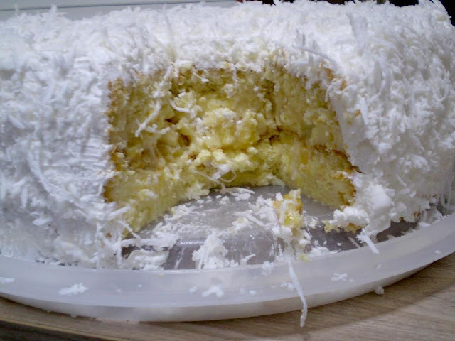 torta divina de abacaxi e coco