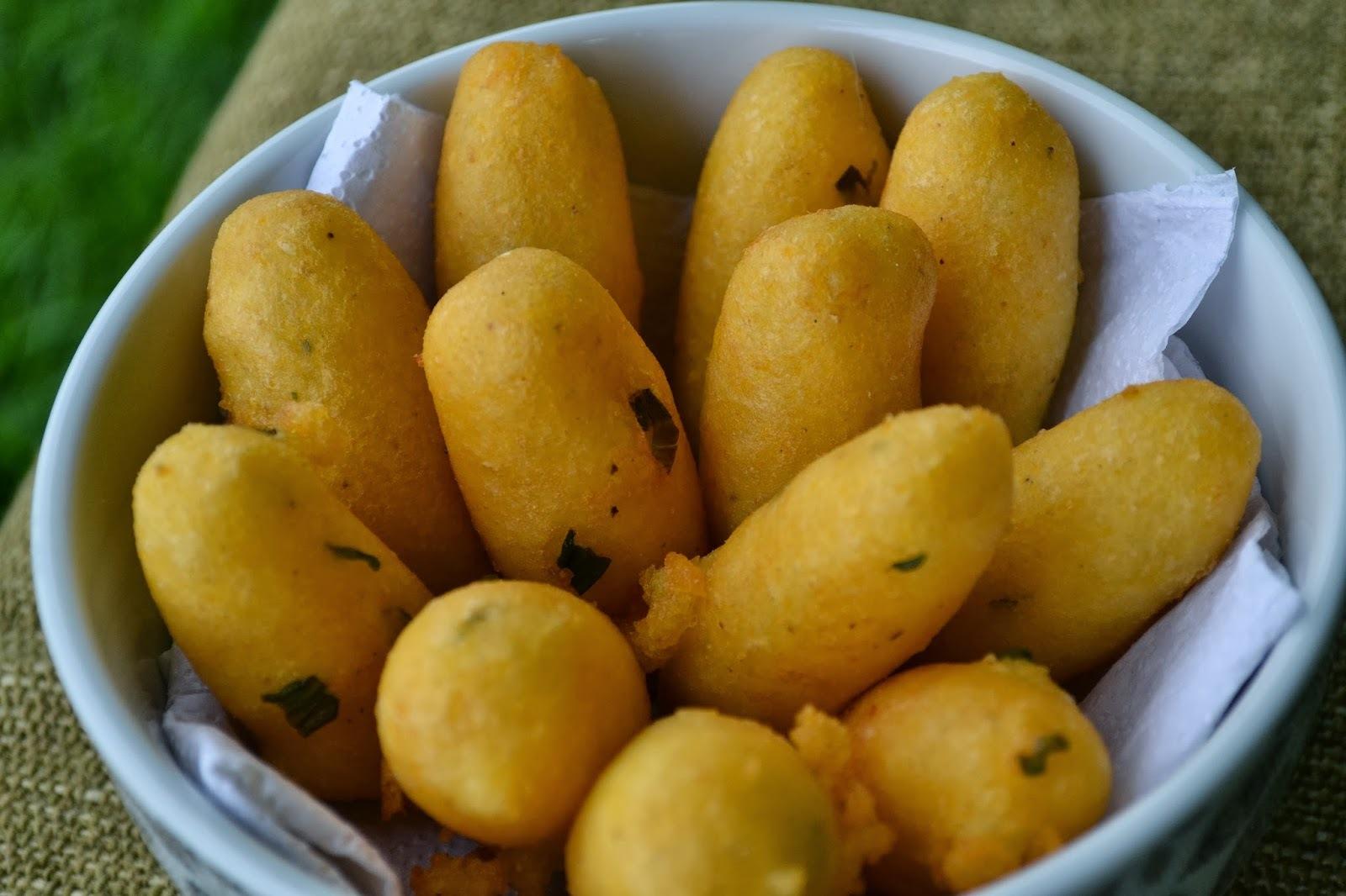 Bolinho de batata com farinha de milho