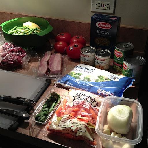 Sopão de alcatra, bacon e legumes