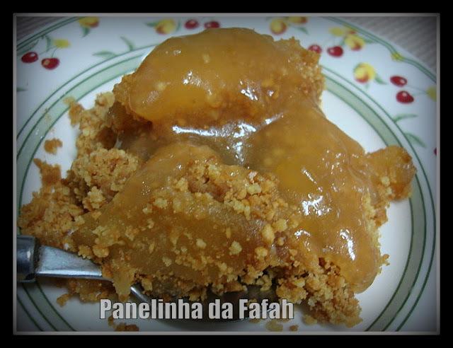 Torta  (rápida) de maçã com farofa de biscoito