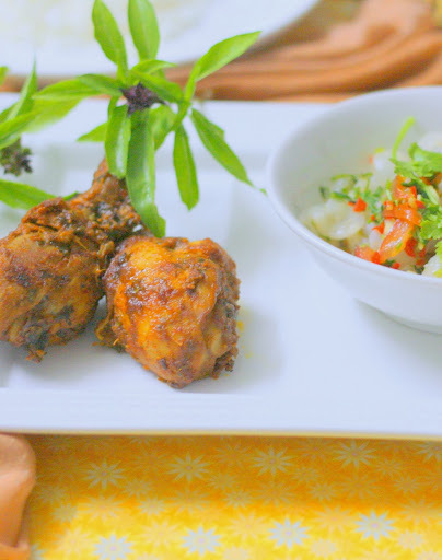 Basil Tandoori Chicken With Longan Salsa