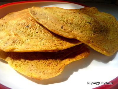 Gram Flour Soy Pancakes : Besan cheela with Soya