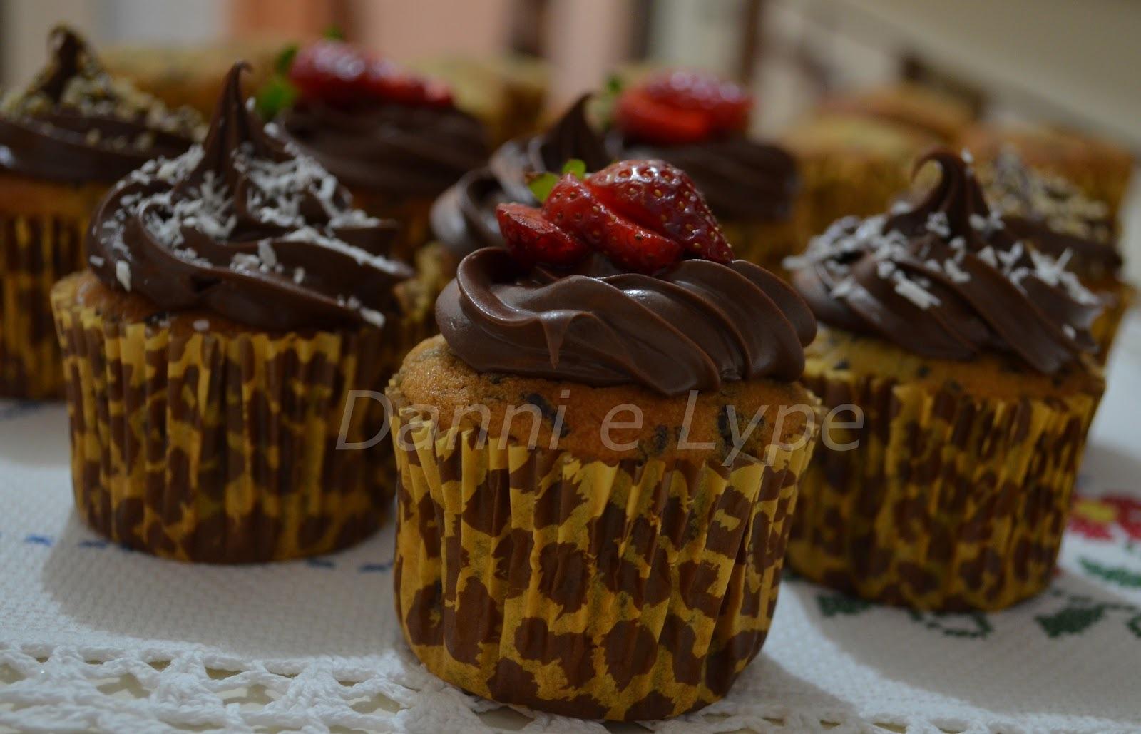 de cupcake recheado com nutella