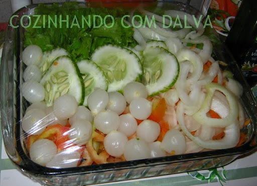 Salada com Molhos Variados