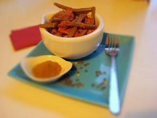 Lencsegombóc currymártásban (Lentil bhuja)