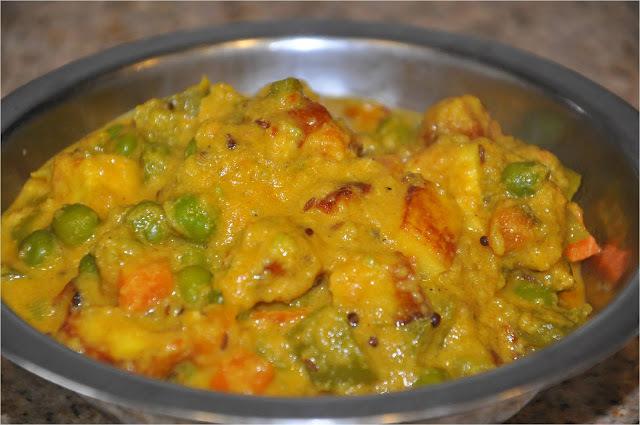 Peas - Carrots - Paneer Curry in Creamy Sauce