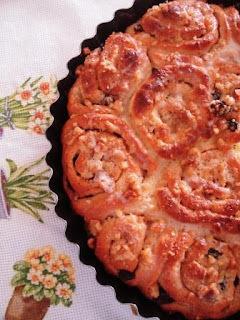 rosca caseira com recheio de goiabada