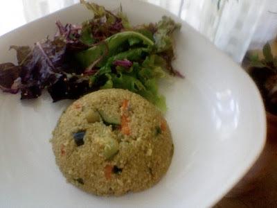 Menú del día: Quinoa a la primavera con ensalada de hojas verdes