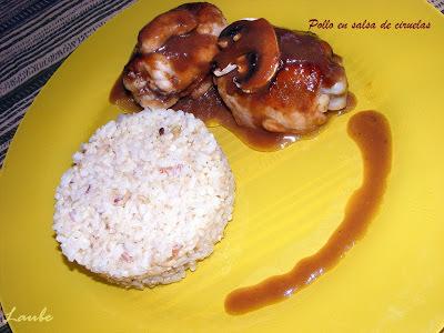 Pollo en salsa de ciruelas