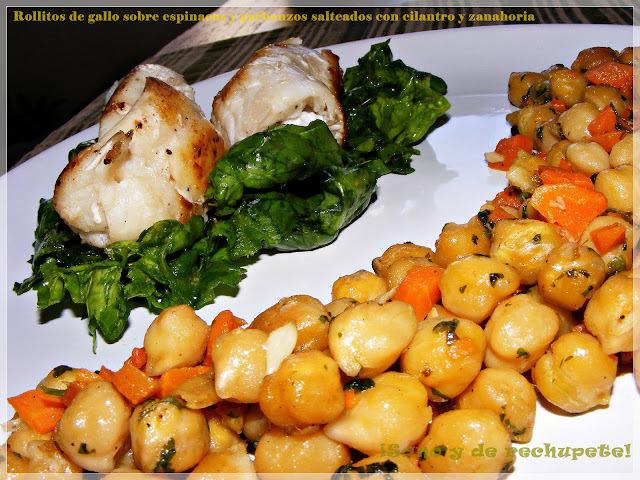 Rollitos de gallo sobre espinacas y garbanzos salteados con zanahoria y cilantro