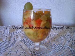 Salada de Frutas Com Molho de Manga e Iogurte Natural Feita pela Norinha Sonia