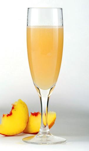 coquetel de frutas com refrigerante