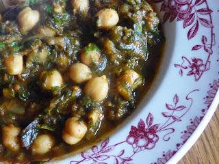 Curry de pois chiches aux épinards et à l'aubergine
