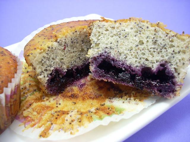 Muffins de Semillas de Amapola y Mermelada de Arándanos
