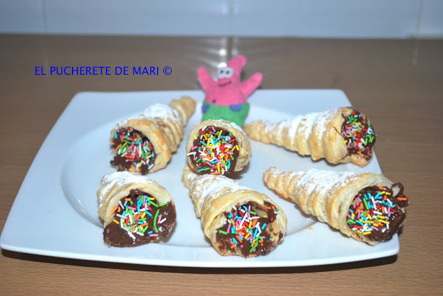 CONOS DE HOJALDRE (Dos versiones: dulces y salados)