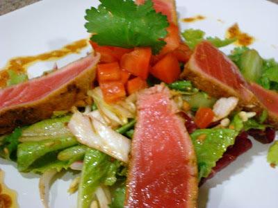 Ensalada de Atún con Vinagreta de Curry y Maní