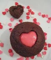 Cupacke de Chocolate com Recheio Trufado de Maracujá