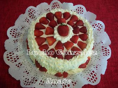 Torta de crema y frutillas - Tarta de nata y fresas -