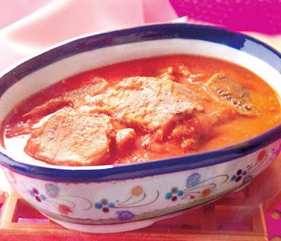 Lengua en salsa de tomate