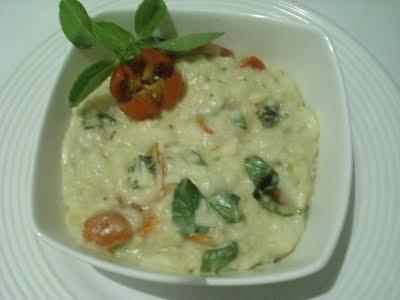 Risoto de gorgonzola ,manjericão e tomate cereja