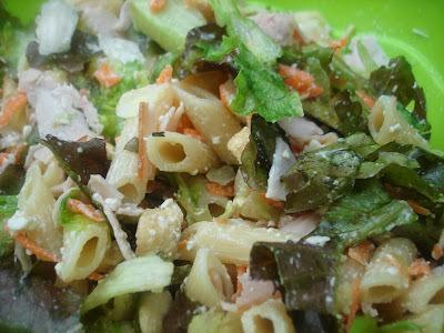 Salada Verde com Penne e Queijo Branco