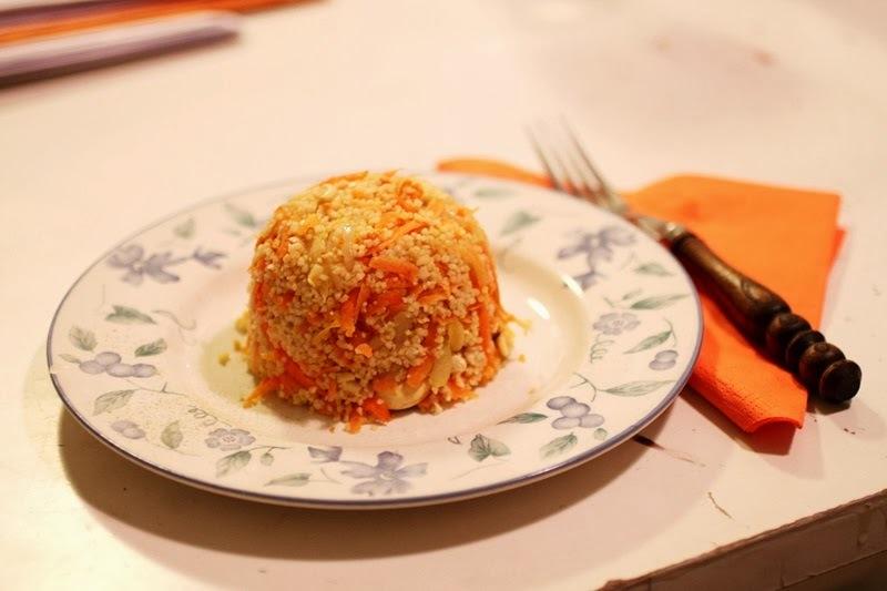 Möhren-Couscous mit Cashewkernen [vegan]