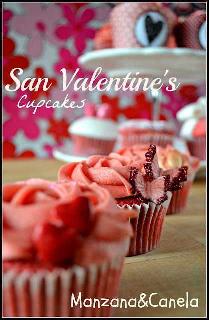 Cupcakes románticos para San Valentín: Red Velvet con truco y buttercream de fresa