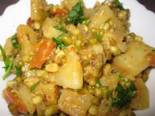 Sprouted Moong And Potato Curry