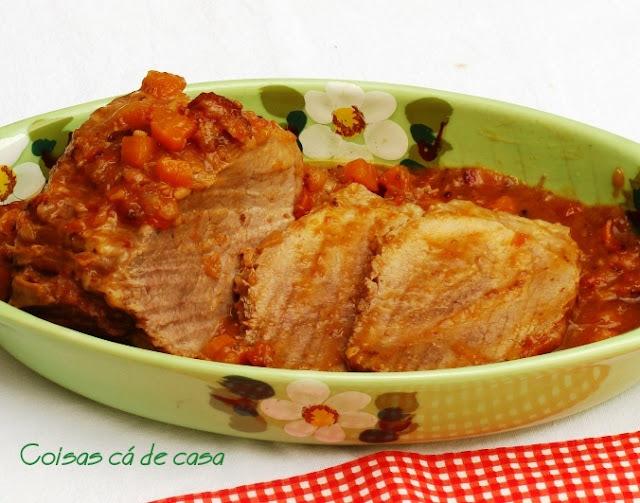 Carne de panela com molho de laranja
