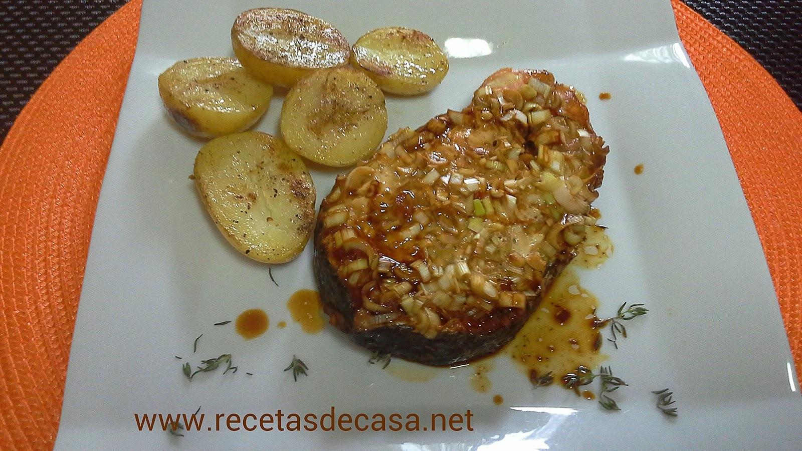 Salmón con soja y cebolleta