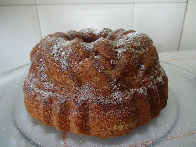 bolo de frutas assado em banho maria-