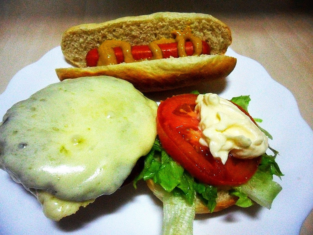 Eu AMO CHEESE SALADA & HOT DOG !!!!