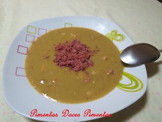 sopa de ervilha seca com carne seca