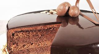 de calda com brilho de chocolate para decorar torta
